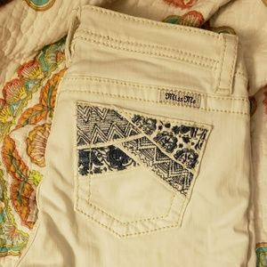 Girls miss me shorts size 16 white w/navy design
